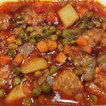 Albóndigas guisadas en salsa comida para llevar en rivas chicken