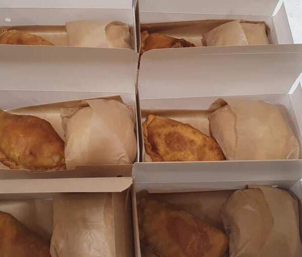 Caja indiviudual con empanada y bocatin